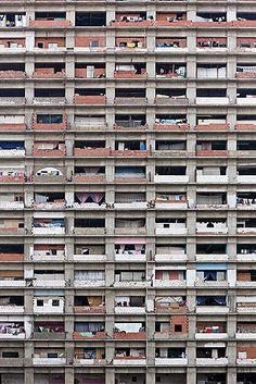 Torre de David, Caracas, a vertical slum in a never finished skyscraper. picture: Iwan Baan