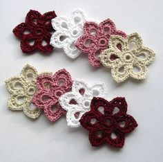 Crochet flowers, these are lovely