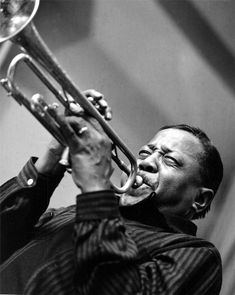 Herman Leonard's artistic talent continues to dominate the jazz photography landscape. See a wide selection of available Herman Leonard photos for sale today! Diahann Carroll, Louis Armstrong, Jazz Artists, Jazz Musicians, Miles Davis, Count Basie, Jazz Blues, Blues Music, John Lee Hooker