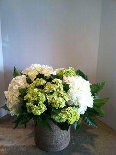 White Hydrangea Centerpieces For Weddings | hydrangea-centerpiece