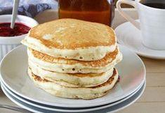 Pancakes très moelleux au thermomix, recette des pancakes bien légers faciles et rapides à préparer en moins de 5 minutes, idéal à servir au petit-déjeuner ou comme dessert.
