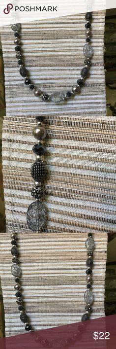 NYC Antiqued matte silver plated faux pearls/glass & beads/ acrylics Premier Designs Jewelry Necklaces