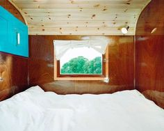 Rustic Barnyard RVs - The Tonke Camper Creates a Comfortably Rural Sleeping Environment (GALLERY)