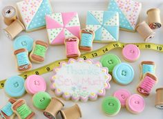 Sewing and Quilt Cookies » Glorious Treats - Quilt blocks, buttons and spools of thread - Sew Cute!!!