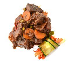 Carne guisada con Vinius y verduras. Enriquece tus guisos con Vinesenti. www.restauranteespadana.es