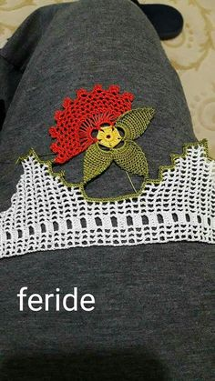 Popular Ads, Crochet Borders, Love Crochet, Crochet Designs, Hand Embroidery, Diy And Crafts, Beanie, Handmade, Doilies