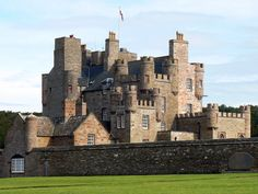Castle of Mey, the Late Queen mothers Residence in Scotland Beautiful Castles, Beautiful Buildings, Beautiful Places, Scotland Castles, Scottish Castles, Palaces, Monuments, Great Places, Places To Go