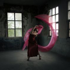 https://flic.kr/p/wWoxj8 | When Fabric flies | I am so exited, because next weekend, I am finally going to meet a woman who has been my inspiration since 2009.   Thanks to Draumlist for inviting her to Holland and for giving me an opportunity to follow a 2 days workshop from Brooke Shaden.  This photo is taken in Oisterwijk for SistersInc. (ZusPact voor de Nederlanders onder ons) Model: Maxime Jacobs Styling: Zuspact