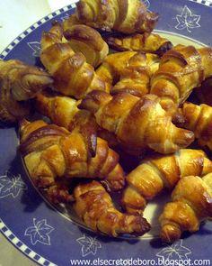 Croissants franceses (French croissants)