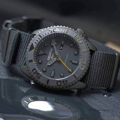 Stylish Watches, Luxury Watches For Men, Cool Watches, Men's Accessories, Seiko Mod, Hublot Watches, Estilo Fashion, Beautiful Watches, Fashion Watches