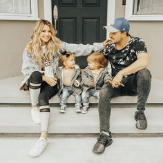Kyler and Mad Cute Family, Family Goals, Beautiful Family, Beautiful Babies, Cute Little Girls, Cute Kids, Cute Babies, Tatum And Oakley, Famous Youtubers