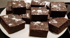 Brownies keto à la farine d'amandes / cétogène / faible en glucides Keto Brownies, Chocolat Lindt, Valeur Nutritive, Sans Gluten, Cookies Et Biscuits, Low Carb Keto, Candy, Diet, Chocolate