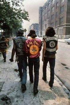 "Bronx street gang ""Savage Skulls"" ca. Vintage New York, Mode Vintage, Vintage Photography, Street Photography, Jamel Shabazz, Savage, Arte Do Hip Hop, Gangs Of New York, Trendy Fashion"