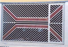 FPm 07  Descrição: Os portões com detalhe em madeira tem uma aparência mais rústica, porém sofisticada. Utilizamos madeira de 1ª qualidade como: Ypê Cumaru, além das chapas e tubos de aço 100% galvanizados (não enferruja). Elegância e Tecnologia em um só produto!  Aplicações: Residências, comércios e indústrias.  Material: 100% GALVANIZADO