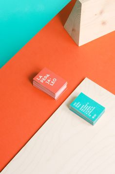 A very colorful selection of graphic design by BARCELONA based creative studio… Corporate Design, Brand Identity Design, Business Card Design, Branding Design, Business Cards, Creative Studio, Self Branding, Orange Design, Print Layout
