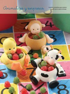 Animalitos Carameleros - Porcelana Fría Cute Polymer Clay, Polymer Clay Animals, Cute Clay, Polymer Clay Dolls, Polymer Clay Projects, Clay Fairy House, Clay Baby, Clay Figurine, Pasta Flexible