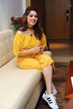 actress-hansika211 (4) South Actress, South Indian Actress, Beautiful Indian Actress, Beautiful Actresses, Indian Bollywood Actress, Bollywood Fashion, Indian Actresses, Fashion Week, 90s Fashion