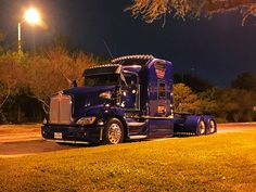 Show Trucks, Big Rig Trucks, Mini Trucks, Peterbilt 379, Peterbilt Trucks, Custom Big Rigs, Custom Trucks, Big Ride, Heavy Truck