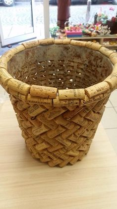 Simple, elegant and handmade, this basket will be useful everywhere in your interior. Size: 7 x 9.5 x 5 (H) inches #winecrafts #winecorkcrafts