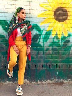 تیپ تابستانه دخترانه ایرانی تیپ اسپرت تابستانی دخترانه Iranian Women Fashion, Muslim Fashion, Persian Girls, Persian People, Persian Beauties, Mori Girl Fashion, Fashion Photography Poses, Hijab Chic, Modest Outfits