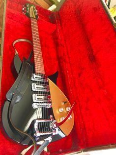 Rickenbacker 325 John Lennon specs w/ vintage Ric Case and Selmer Strap