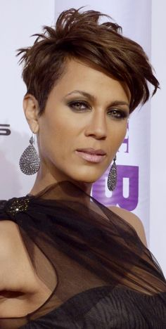 Short Haircuts: The Best Edgy Styles for Black Women: Nicole Ari Parker