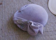 VINTAGE greyish, mauve felt hat 1940 look