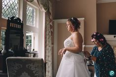 Getting ready at the Langtry Manor hotel in Bournemouth - natural weddings - reportage wedding photographer