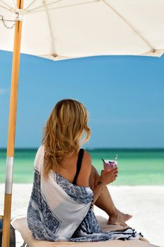 Elevate your vacation experience on Florida's Paradise Coast . Come discover the uncrowded beaches, elegant downtown, dramatic dining, luxurious hotels and world - class adventure of Naples, Marco Island and the Everglades. Marco Island, White Sand Beach, Naples, Cool Places To Visit, Beaches, Things To Do, Paradise, To Go, Coast