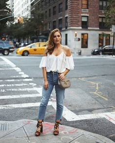 Friday nights on the Upper East Side. Perfect weather for this @steele__ cold shoulder top