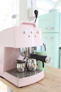 Pink Coffee Machine and in the background a mintgreen SMEG = Mint Kitchen, Pastel Kitchen, Kitchen Decor, Kitchen Ideas, Kitchen Supplies, Pretty Pastel, Pastel Pink, Pastel Decor, Pastel Colors