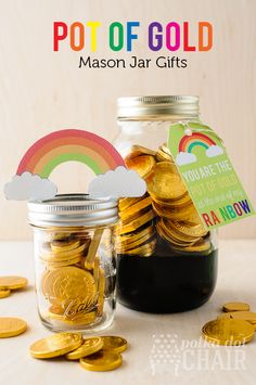 Pot of Gold Mason jar Gifts for St. Patrick's Day.  Includes a free printable tag and rainbow. #StPatricksDay #StPatricksDayPrintables #Printables