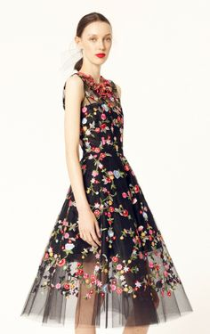 Just a sneak peek of Oscar de la Renta Resort 2014, released this week.  #oscardelarenta