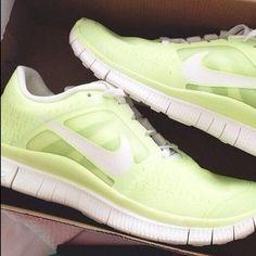 best website d946e b94c8 Scarpe Nike Outlet, Scarpe Adidas, Abbigliamento Da Lavoro, Abiti  Primaverili, Abbigliamento Invernale