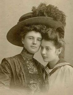 1910 1900s Fashion, Edwardian Fashion, Vintage Fashion, Historical Clothing, Historical Photos, Historical Dress, Belle Epoque, Mother Pictures, Photo Vintage