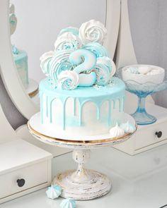 Когда делала этот торт, то даже не думала, что он мне так понравится) И сейчас смотрю на него - ничего не хочется ни добавить, ни убавить 👌…