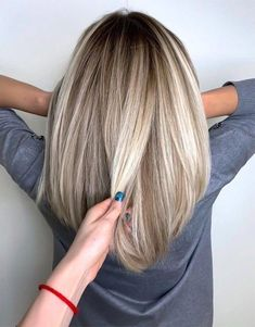Adorable Hair Color Highlights & Ideas for Every Girls Medium Length Hair Color Adorable Hair Color Highlights & Ideas for Every Girls Medium Length Hair Color Highlights Source by Source by Hair Color Highlights, Hair Color Balayage, Ombre Hair, Chunky Highlights, Caramel Highlights, Girl Hair Colors, Turquoise Hair, Hair Color And Cut, Up Girl