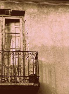balcones y deserciones