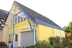 Er kann nicht nur tolle Fassaden: Die Malermeister Schapeler GmbH aus Lage (32791) ist Spezialist für Wärmedämmung, Bodenbelagsarbeiten, Schimmelsanierung und Lehmputz. | Maler.org