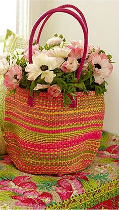 thelittlecorner:    The Little Corner  Basket w/flowers