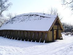 Danish viking house replica, made from 'wattle and daub'. http://www.photo-gallery.dk/oversigt/fortidsminder_&_historie/historie/_vikingehus-01.html http://en.wikipedia.org/wiki/Wattle_and_daub