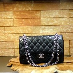 Chanel handbag karmen (black) caviar