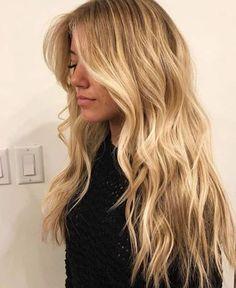 Yellow Blonde Hair, Beach Blonde Hair, Blonde Hair Shades, Light Blonde Hair, Blonde Hair Looks, Butter Blonde Hair, Dirty Blonde Hair With Highlights, Celebrities With Blonde Hair, Long Beach Hair