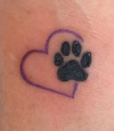 Dog Paw Heart Tattoo Paw print in heart tattoo Neue Tattoos, Music Tattoos, Dog Tattoos, Animal Tattoos, Small Tattoos, Heart Tattoos, Paw Print Tattoos, Tattoo Son, Get A Tattoo
