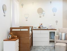 Possible furniture layout in nursery.
