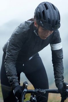 Rapha x Gore-Tex - Muchcoolstuff Cycling Outfit, Cycling Clothing, Gore Tex Jacket, British Sports, Bicycle Girl, Sports Brands, Road Bikes, My Ride, Snowboarding