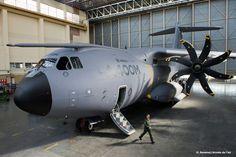 French Armée de l'Air Airbus A400M Atlas (aka Grizzly) strategic transport.