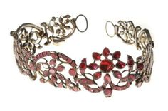 A Georgian garnet choker necklace, circa 1750