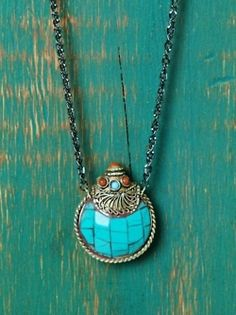 Turquoise poison/snuff bottle pendant/charm necklace