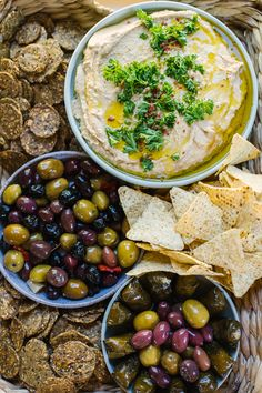 Get the recipe for this easy cashew butter hummus... plus some hummus tips and tricks! Plus garden party inspiration from Virginia blogger Renee Byrd.